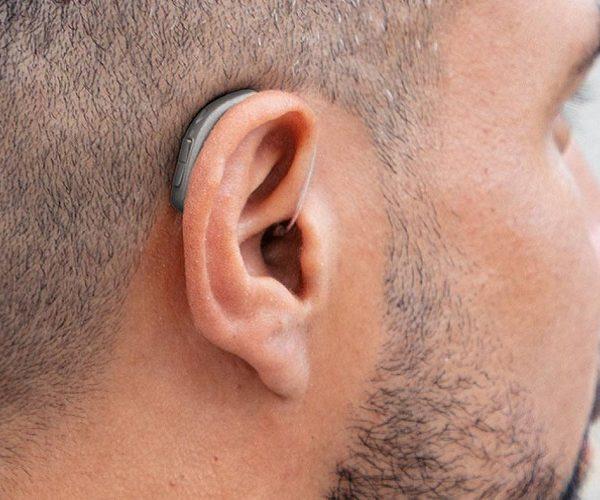 سمعک به افراد کم شنوا چه کمکی می کند